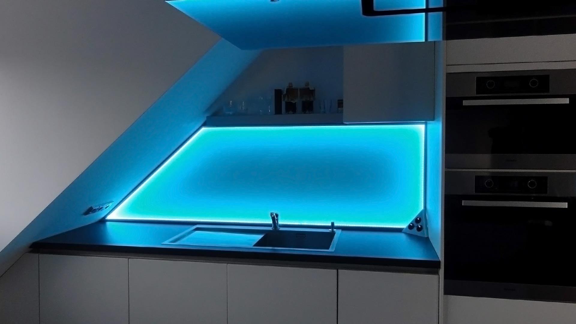 glasrückwand als küchenrückwand und für duschenwände - glas voit ... - Glasrückwand Küche Beleuchtet